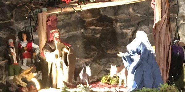 TRADITION DE NOËL À NOTRE DAME DE PEPIOLE : La crèche et les santons de Provence